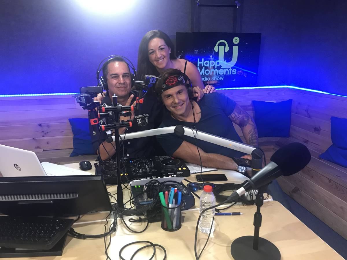 COYOTE DAX EN Happymoments radio show (4)